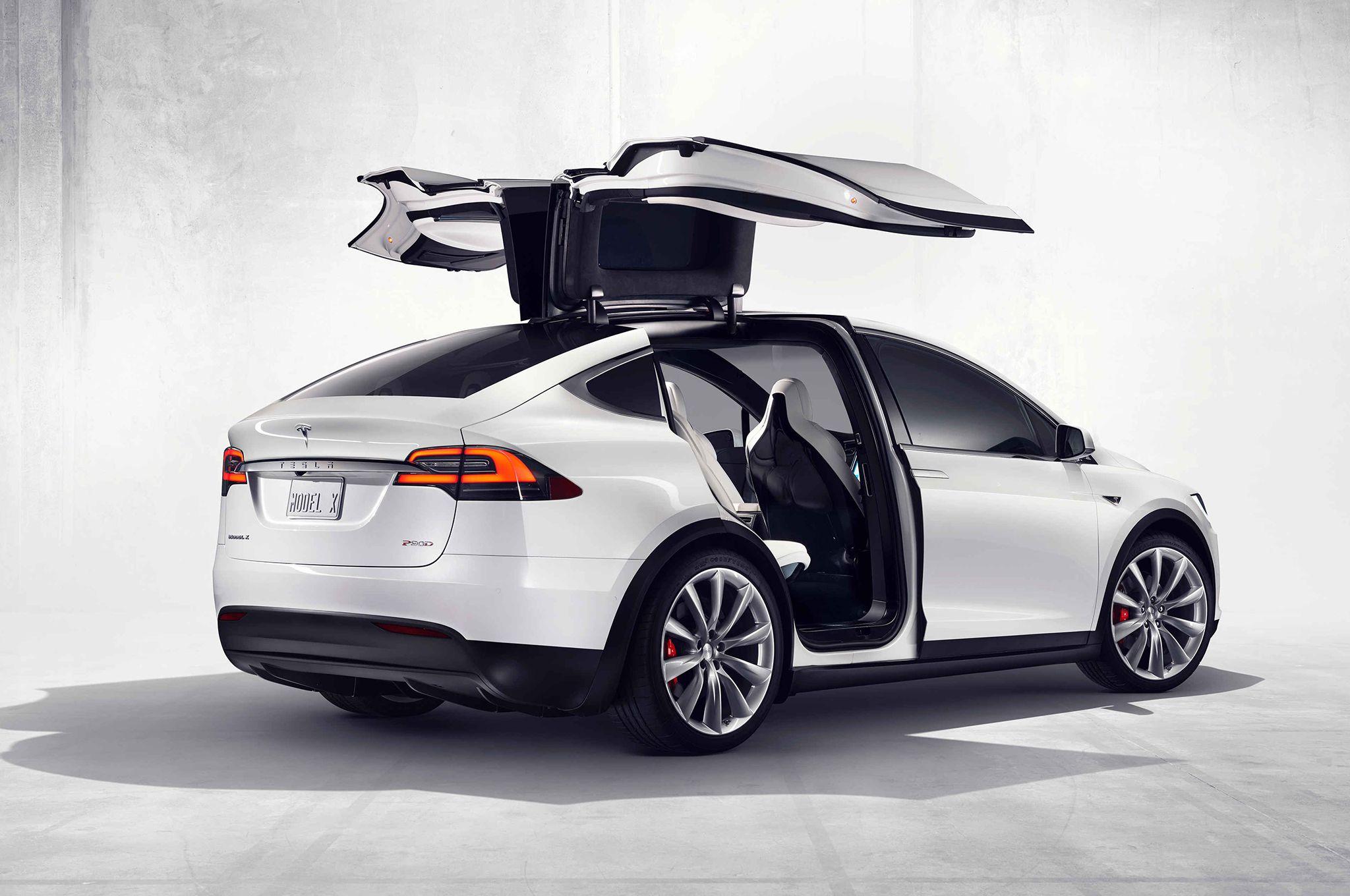 Elon Musk: la guida totalmente autonoma debutterà entro due anni