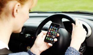 Smartphone alla guida, ritiro della patente