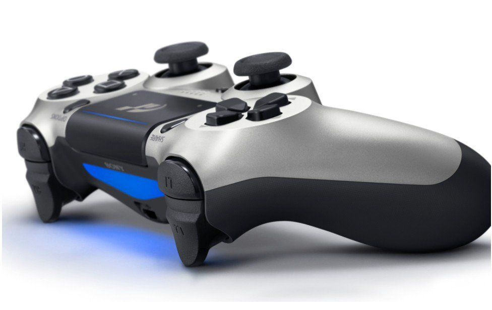 Sony presenta una PlayStation 4 dedicata a Gran Turismo Sport