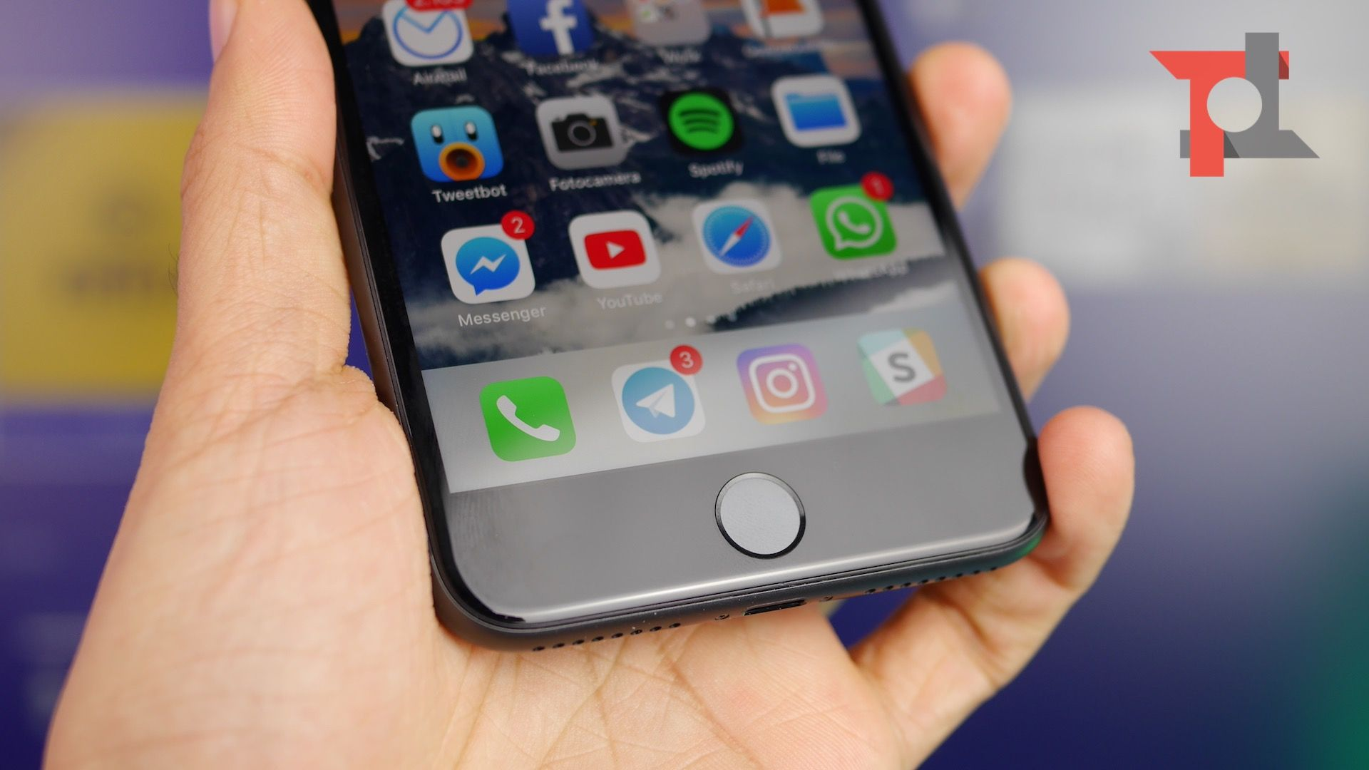 Casoria, contraffazione: scoperti due depositi fuorilegge di Iphone X