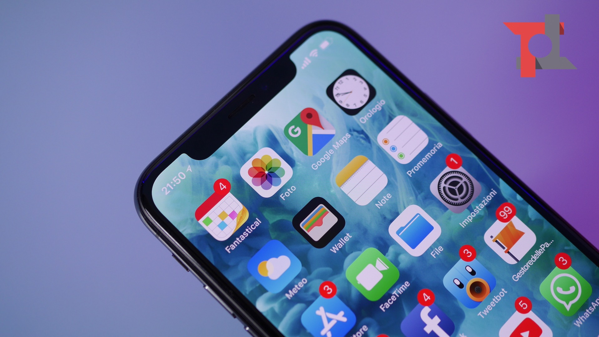 KGI: nel 2018 2 iPhone con display OLED