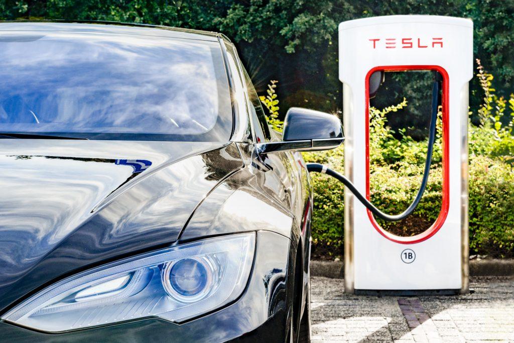 Tesla ha bruciato $675 milioni nel solo ultimo trimestre 1
