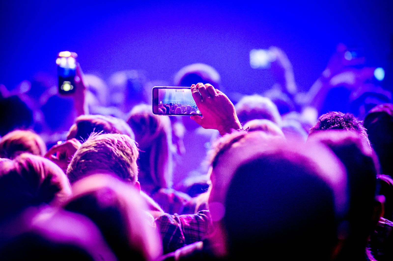 Facebook, accordo con Sony per utilizzare le canzoni nei video