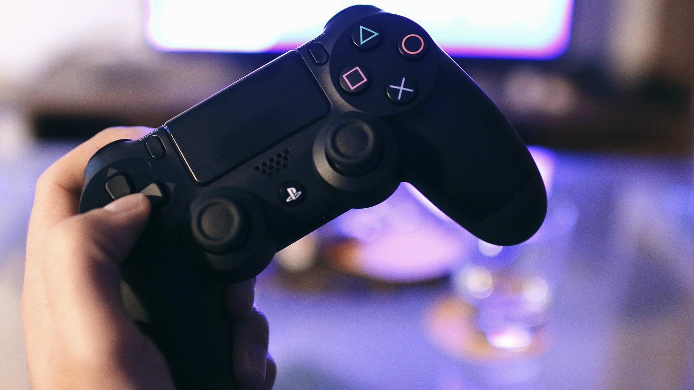 Il Dualshock 4 è il controller con il maggior profitto negli USA