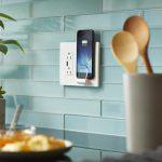 iPhone, disponibili un cavo audio Lightning e un caricabatterie wireless da parete 4