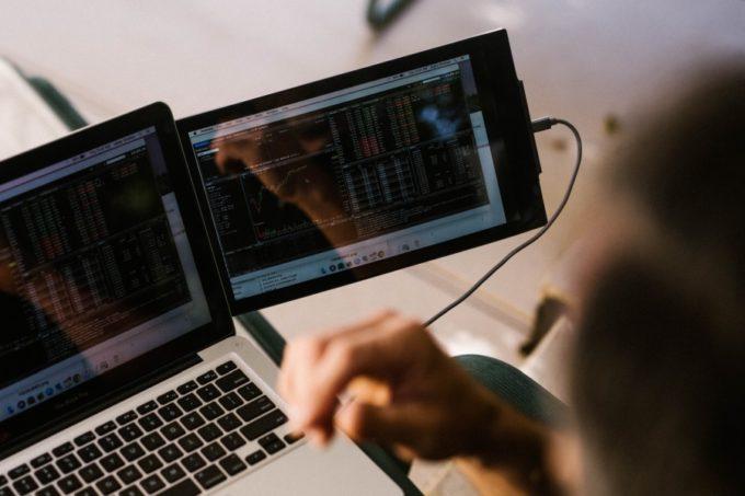 DUO display laptop