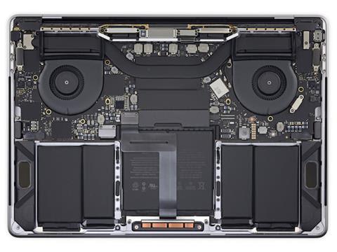 MacBook Pro 2018 alla prova iFixit: stessa bellezza interna di sempre, stessa impossibilità di aggiornamenti 1
