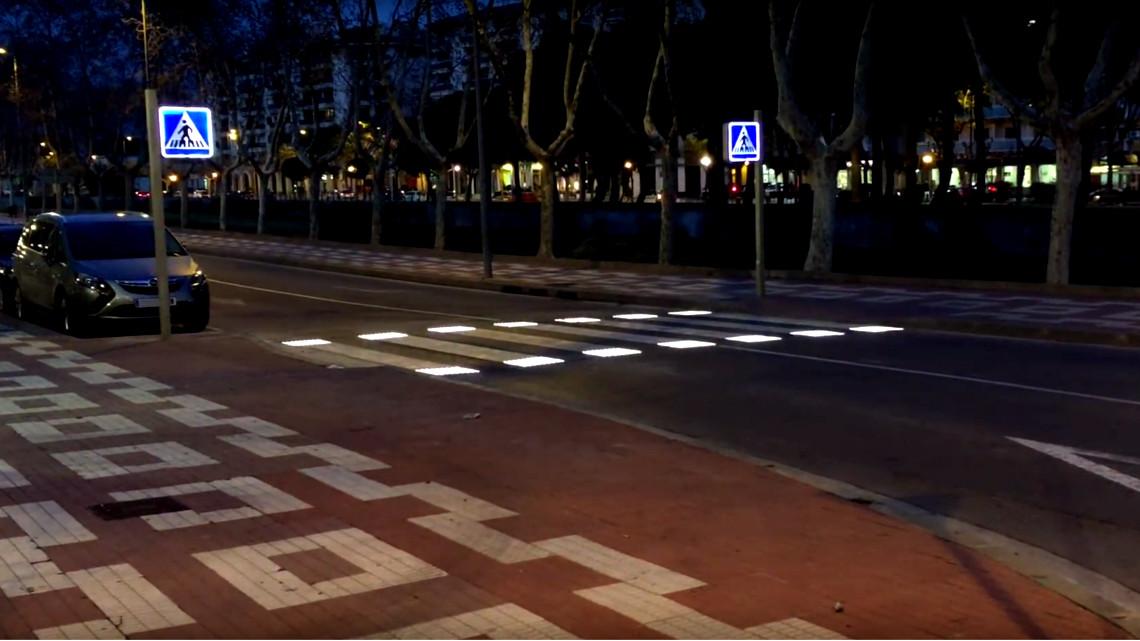 Strisce pedonali a LED