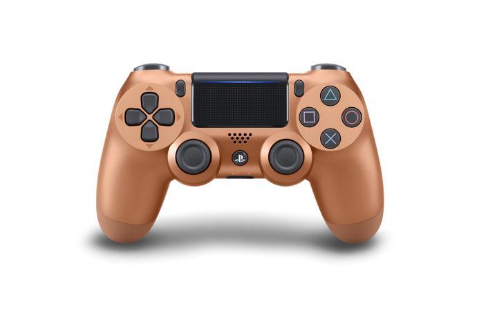 Disponibili 4 nuovi e coloratissimi DualShock 4 per PS4 3