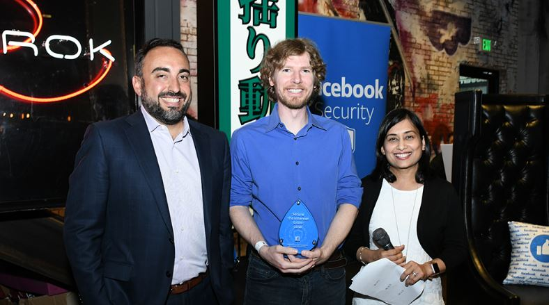 Facebook premia Sicurezza Informatica