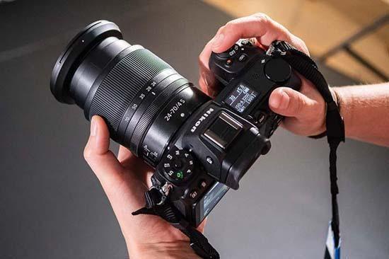 Date il benvenuto alla Nikon Z7, una mirrorless full frame da 45.7 Mpixel 1
