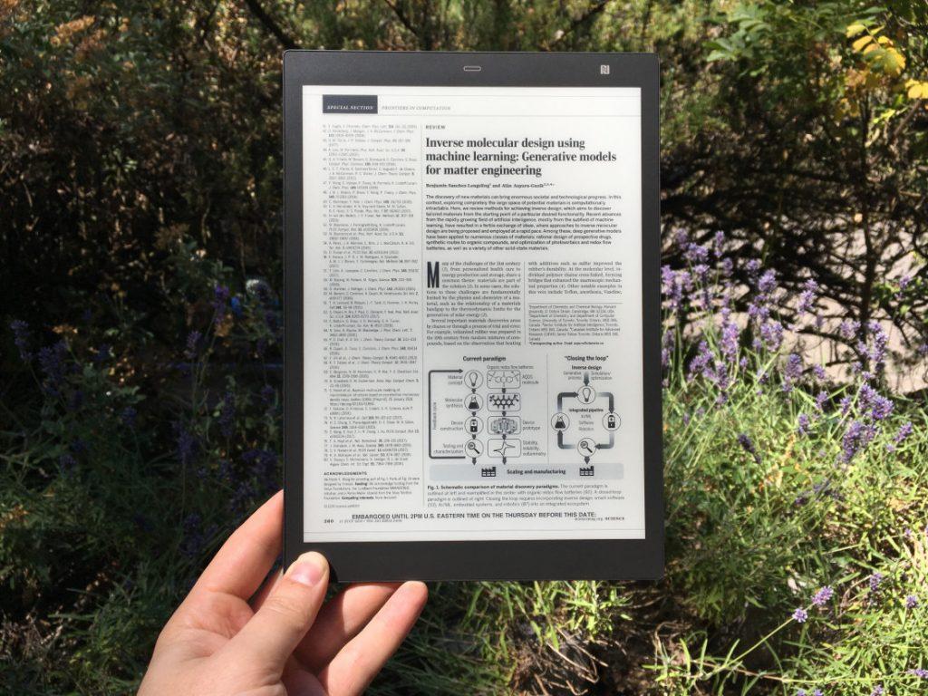 Sony Digital Paper sarà il futuro della lettura e dello studio scolastico? 1