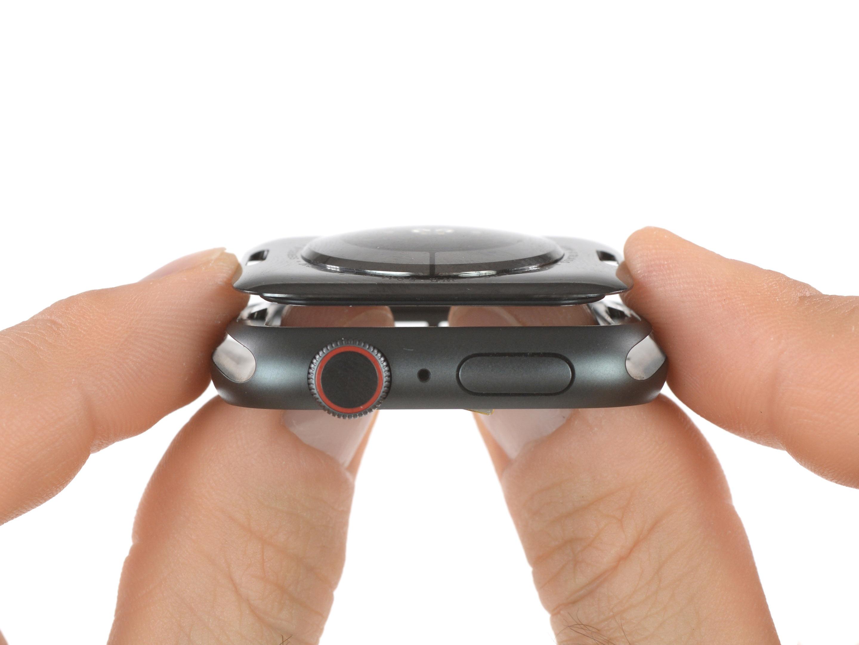 "Apple Watch Series 4 nelle mani di iFixit: ""è l'iPhone 5 degli Apple Watch"" 2"