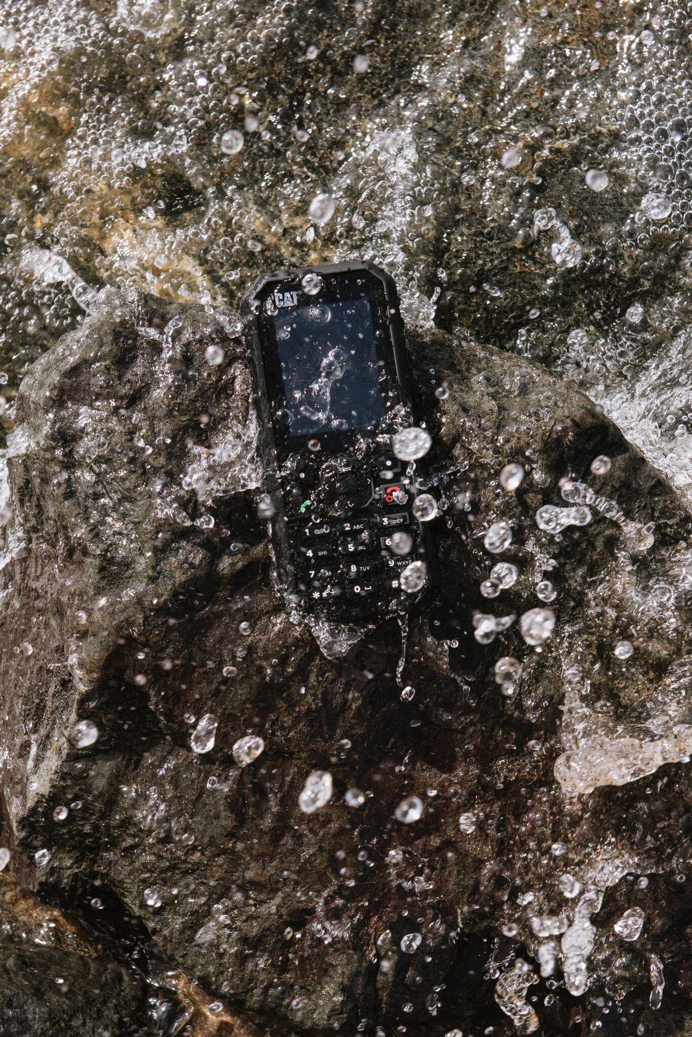 """Cat B35 è il feature phone 4G """"rugged"""" che va dritto al sodo 1"""