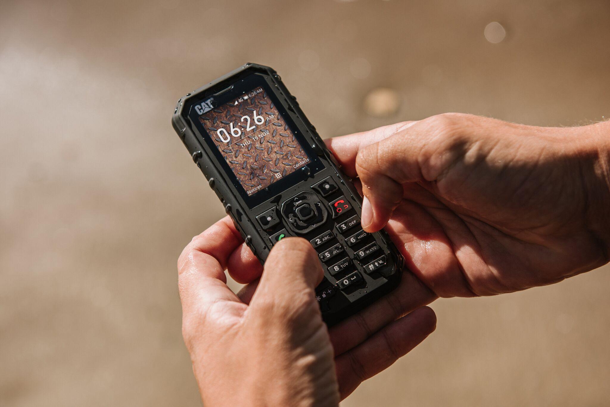 """Cat B35 è il feature phone 4G """"rugged"""" che va dritto al sodo 2"""