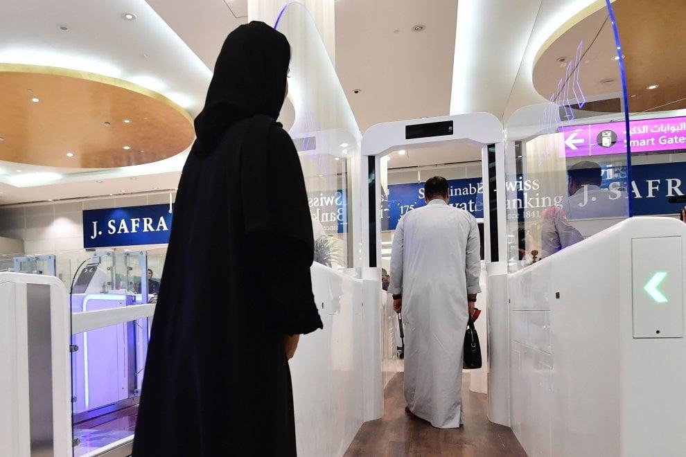 All'aeroporto di Dubai il controllo passaporti avviene col riconoscimento dell'iride 1