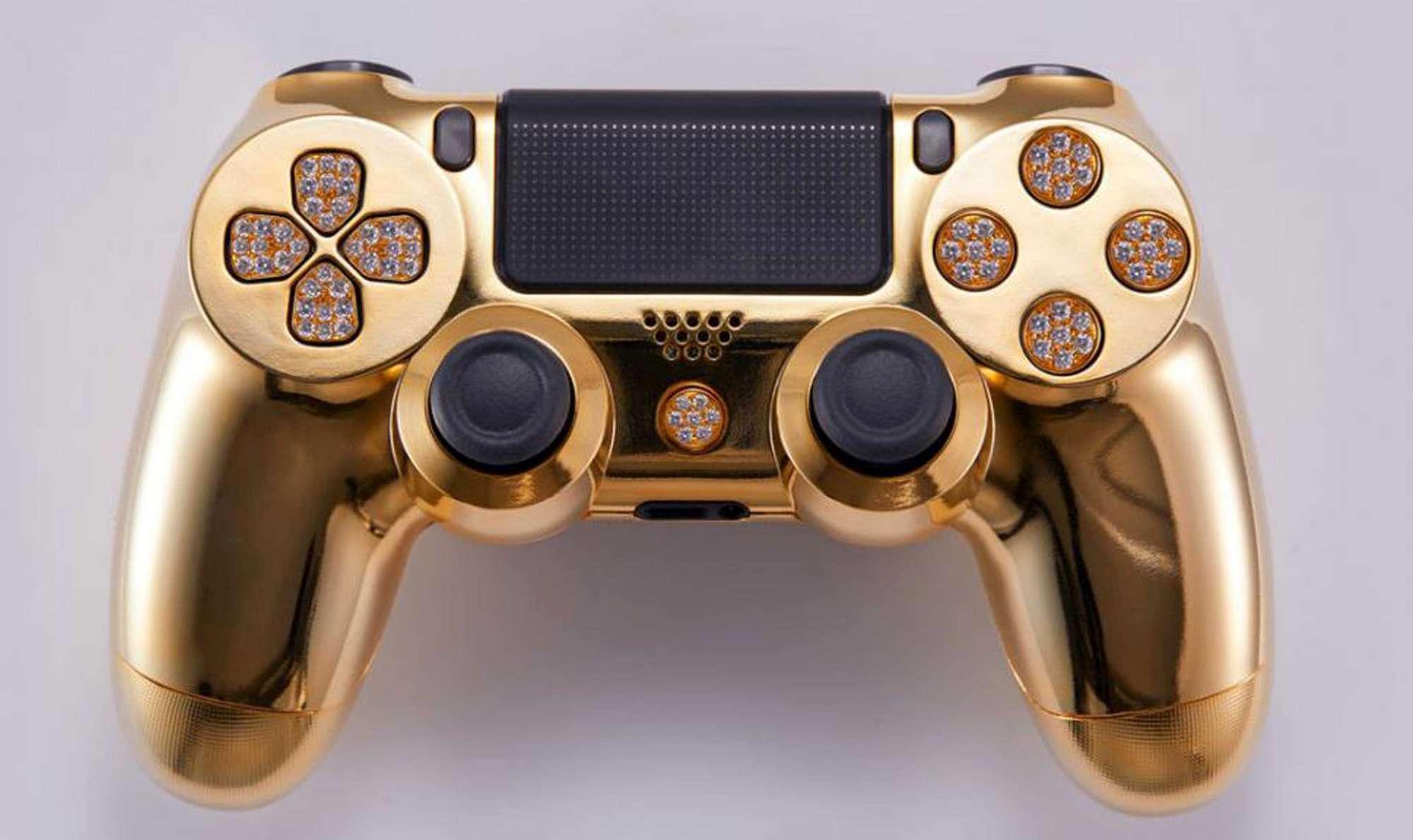 La PlayStation 4 si arricchisce di uno speciale DualShock 4 in oro da 12.000 euro 1