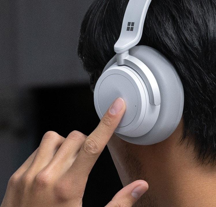 Microsoft Surface Headphones ufficiali con cancellazione attiva del rumore e Cortana 4