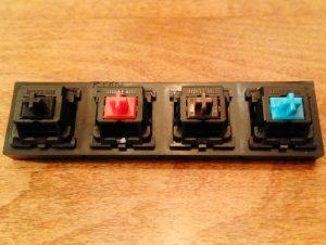 Come scegliere una tastiera meccanica: funzionamento, vantaggi, layout e switch spiegati nel dettaglio 24