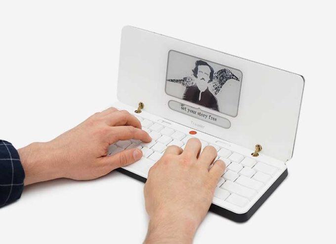 Astrohaus pronta al lancio della Freewrite Traveler, una macchina da scrivere portatile per chi è sempre in viaggio 1