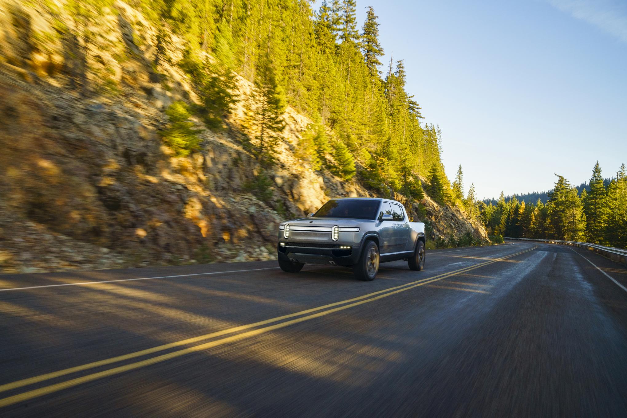 Rivian R1T è un pick-up elettrico da oltre 640 KM di autonomia 2