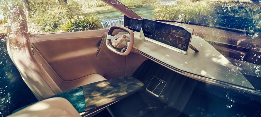 BMW Vision iNext è il crossover elettrico del futuro secondo l'azienda 1