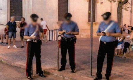 Carabinieri uso smartphone