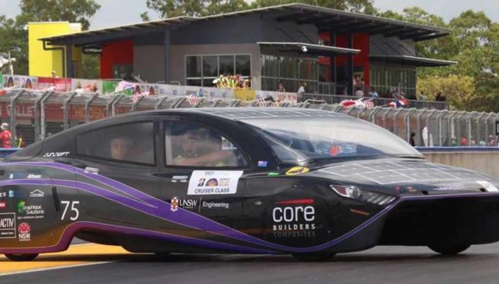 Violet è l'auto solare che ha battuto il record mondiale di autonoma 2