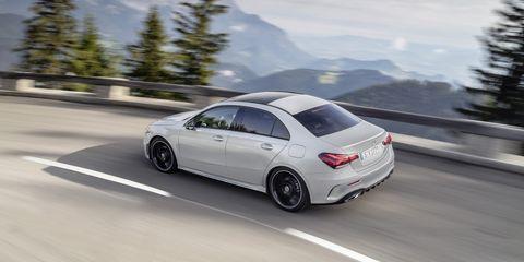Mercedes A220 Sedan con piattaforma smart MBUX disponibile da 36.000 euro 1