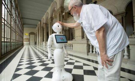 Negli ospedali italiani arrivano Pepper e R1, i primi robot umanoidi