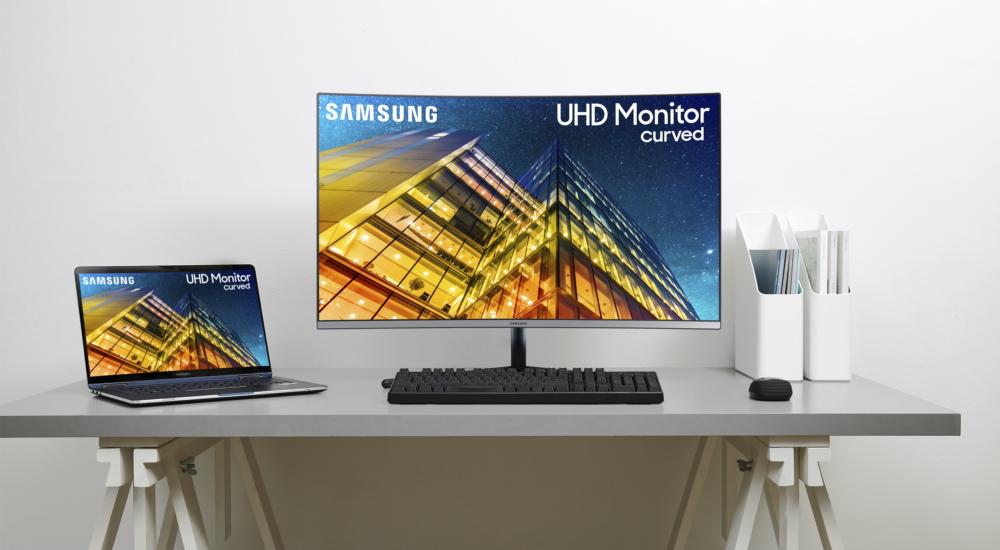 """Samsung annuncia 3 nuovi monitor, fra cui lo """"Space Monitor"""" da addossare alla parete 2"""