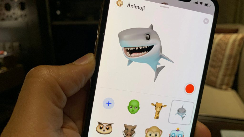 iOS 12.2 introduce 4 nuove Animoji, fra cui una giraffa, uno squalo, un facocero e un gufo 4