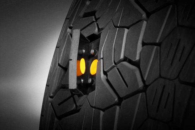 Gli automobilisti in Europa vogliono pneumatici smart con sensori IoT 1