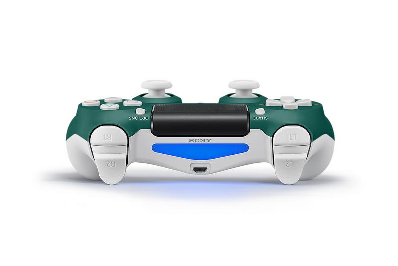 Sony lancia il nuovo DualShock 4 Alpine Green per PS4 3