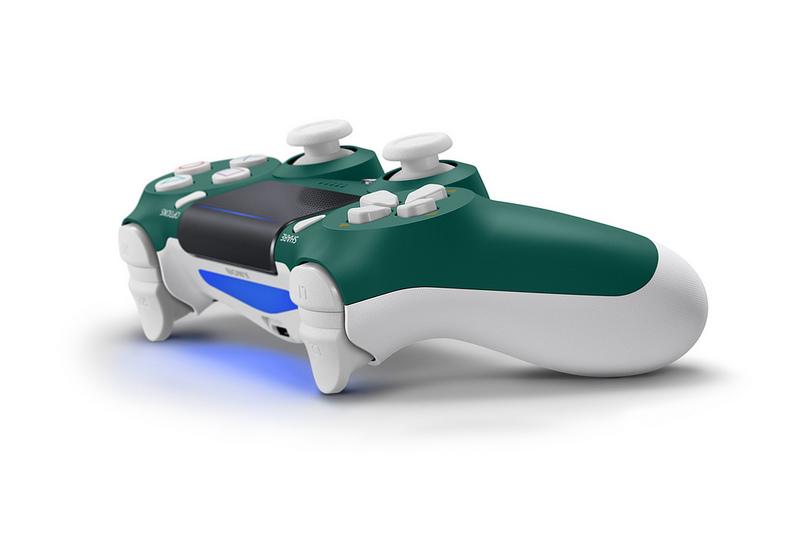 Sony lancia il nuovo DualShock 4 Alpine Green per PS4 1