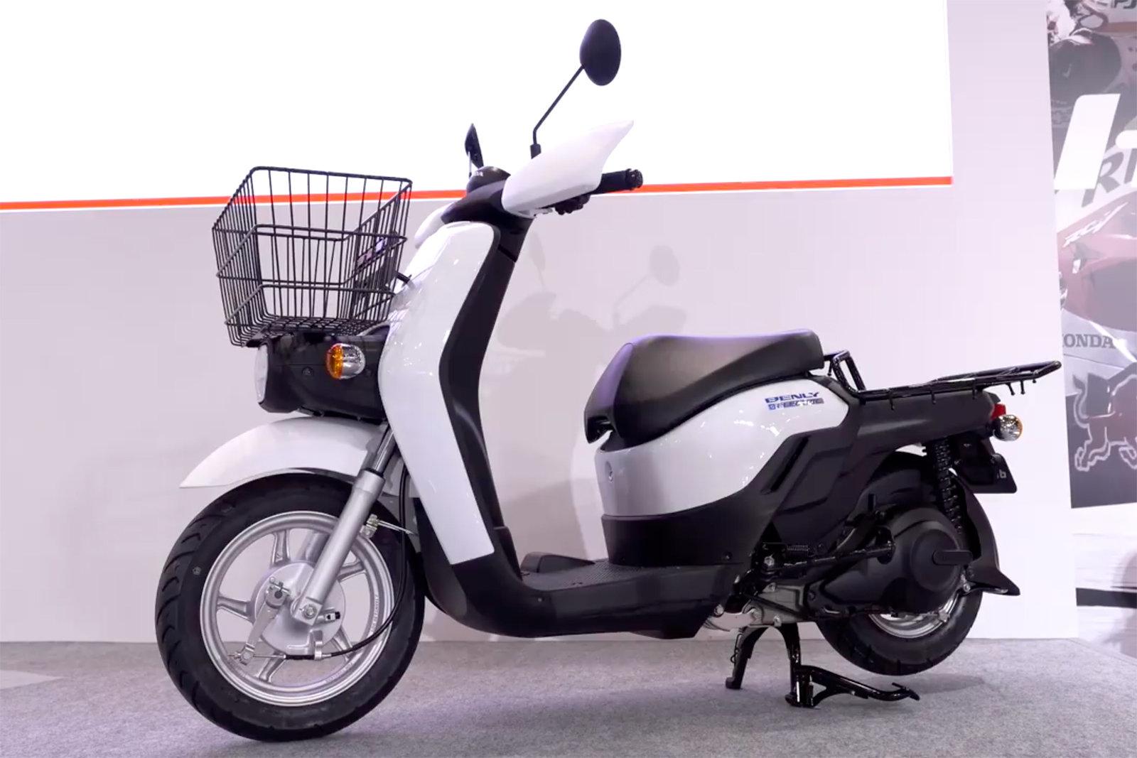Honda non pensa solo alle auto elettriche: ecco le moto CR Electric e Benly Electric 1