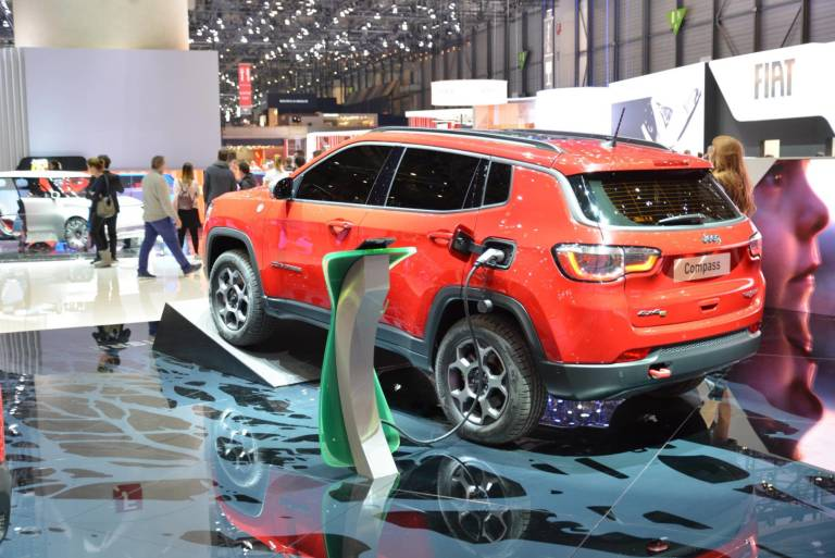 Jeep Renegade e Compass esordiscono al Salone di Ginevra 2019 in versione ibride plug-in 1