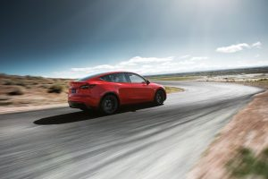 Tesla annuncia ufficialmente il suo nuovo SUV Tesla Y, che sbarcherà sul mercato nel 2020 3