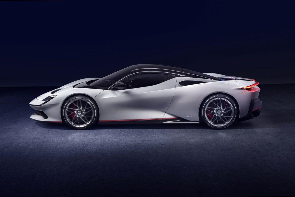 Pininfarina Battista è la più veloce auto elettrica del mondo con 1.900 cavalli e 2.300 Nm 2