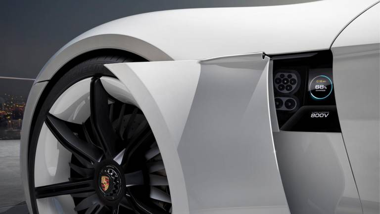 Porsche Macan dal 2020 anche in versione elettrica 1