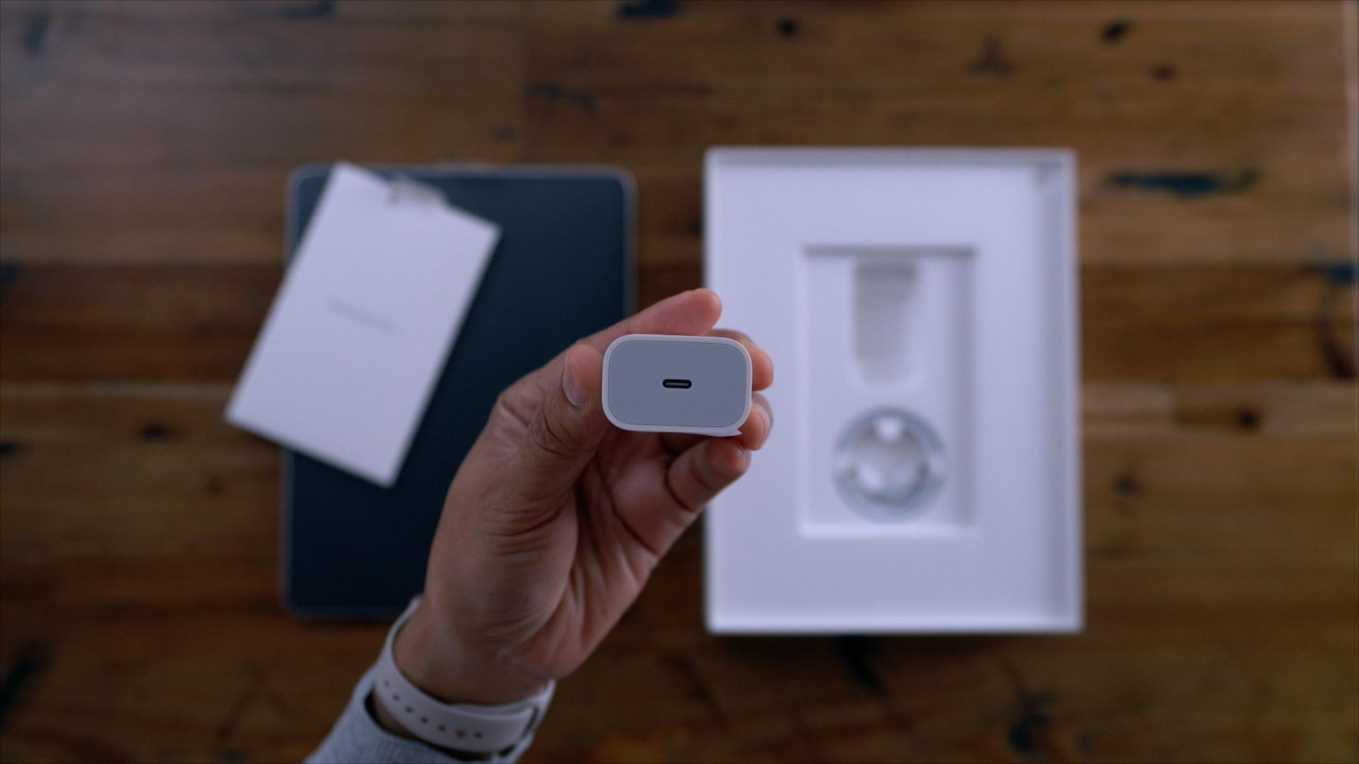 iPhone XI potrebbe avere una delle grandi novità di Galaxy S10 e un caricabatteria USB Type-C 1