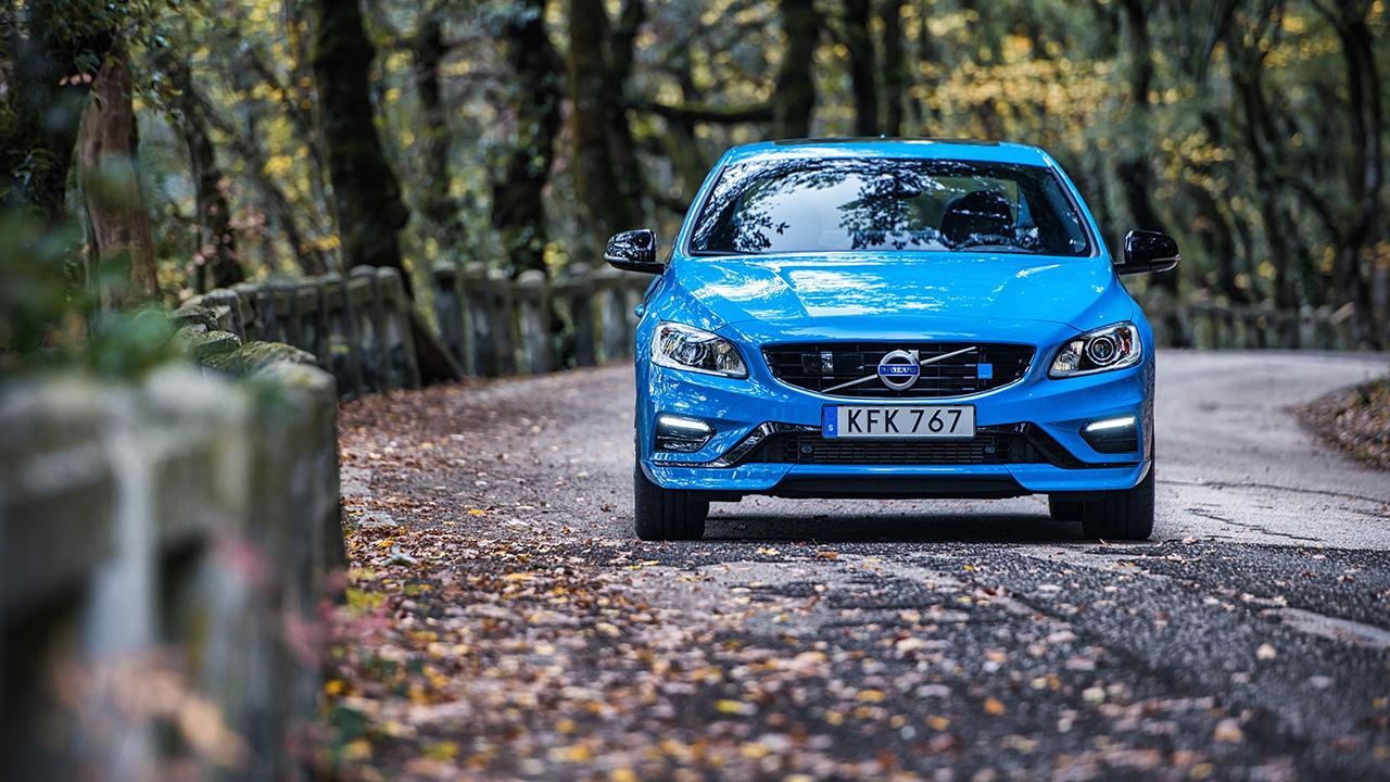 Volvo limita la velocità massima delle auto a 180 KM/h per cercare di ridurre gli incidenti 1