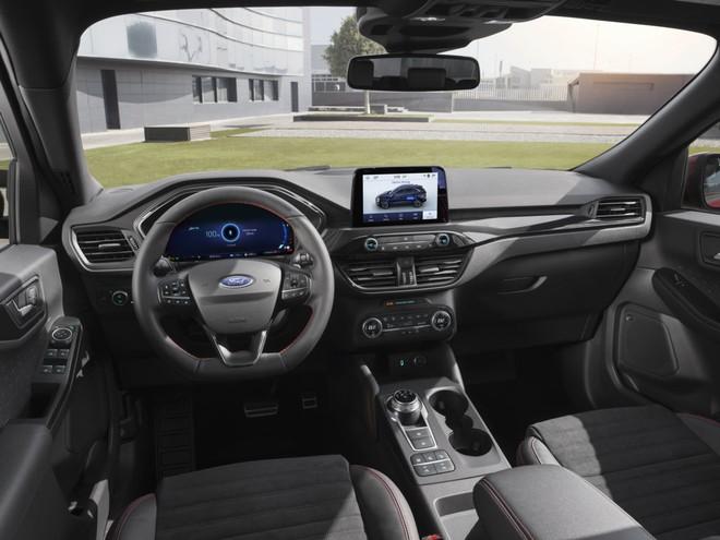 Ford Kuga 2019 ufficiale, ora anche con motori ibridi plug-in 2