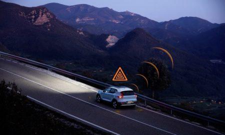 Volvo Hazard Light Alert e Slippery Road Alert