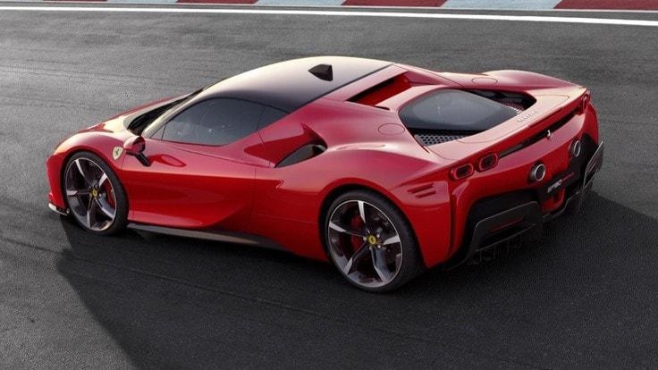 Ferrari SF90 Stradale: presentata la prima ibrida di Maranello con 1.000 CV e nome da F1 1