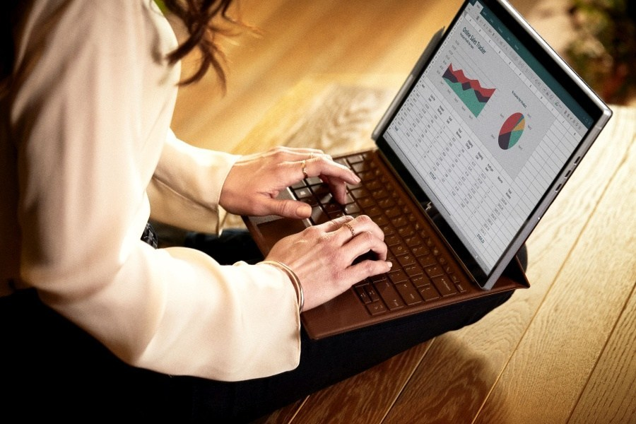 HP Elite x2 G4 è un 2-in-1 di pura potenza, leggerezza e flessibilità d'uso 1