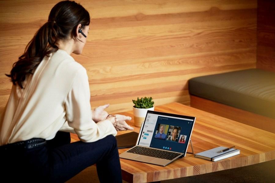 HP Elite x2 G4 è un 2-in-1 di pura potenza, leggerezza e flessibilità d'uso 2