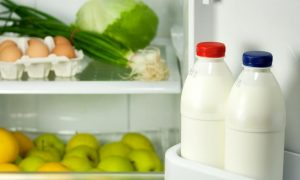 Inventato un tappo speciale che ci avvisa se il latte è ancora buono o è andato a male