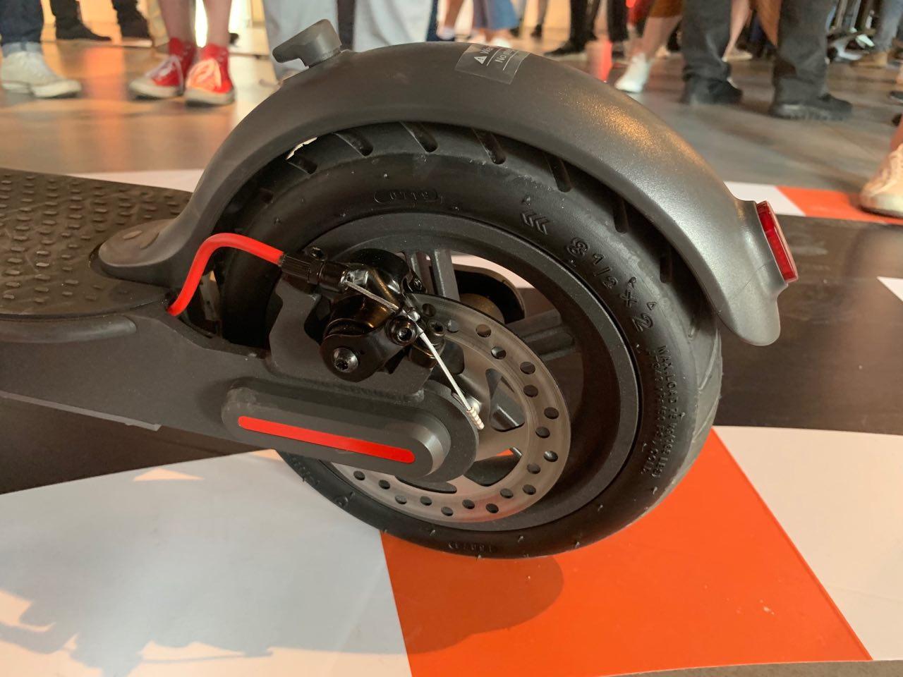 Xiaomi presenta il monopattino elettrico Mi Electric Scooter Pro 3