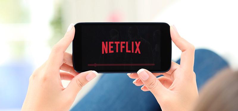 Netflix annuncia un servizio di streaming solo per smartphone e Spotify il nuovo Disney Hub 1